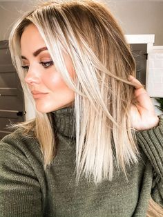 Hair inspiration - - The Effective Pictures We Offer You About balayage hair blon Medium Hair Styles, Short Hair Styles, Medium Length Blonde, Medium Blonde Hair, Blonde Hair Inspiration, Blonde Hair Looks, Blonde Hair Shades, Shoulder Length Hair, Great Hair