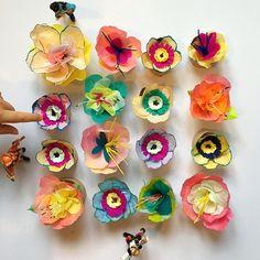 Søndag - stilleben  #hanseneribad #jegklipperbladeimens #paperart #paperflowers #papercraft #DIY #papirblomster #kirstinekirk #skidtogkanel #papirgrene #paperbranches #dagensbuket #blomster #altidtravlehænder #klippeklippeklippe ❤️❤️❤️