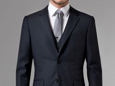 ESSENTIAL NAVY THREE-PIECE SUIT
