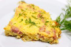 SOUND: http://www.ruspeach.com/en/news/12793/     Для приготовления омлета с сыром взбейте яйца. Добавьте немного молока и тертого сыра, рубленной зелени, соль и перец по вкусу. Накройте сковородку крышкой и жарьте на медленном огне 5-7 минут.    To make an omelet with cheese shake up eggs. Add a little of milk and grated cheese, chopped greens, salt and pepper to taste. Cover a frying pan and fry on slow fire during 5-7 minutes.    перец [pèrits] - pepper  молоко [malakò] -