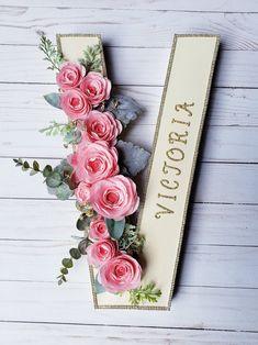Flower letter Boho chic nursery decor Baby name letter Freestanding letter Pink flower letter Floral monogram Baby Name Letters, Baby Name Signs, Nursery Letters, Diy Letters, Letter A Crafts, Letter Monogram, Decorative Letters For Wall, Baby Names, Girl Names