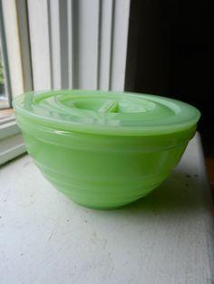 Jadite lidded bowl
