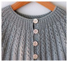 Lovely, lovely, cabled yoke. This shouldn't be too hard to size up (or use the cable details from, anyway)