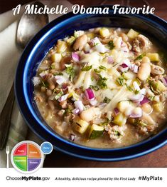 I would hold the bulgur or sub it out for something GF - This healthy white turkey chili recipe is gorgeous, with flecks of green from zucchini, oregano and green chiles. Chili Recipes, Soup Recipes, Diet Recipes, Cooking Recipes, Healthy Recipes, Healthy Foods, Cooking Chili, Healthy Dishes, Skinny Recipes