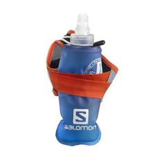 Holding a water bottle while you run is no fun. That's why Salomon created the Sense Hydro S-Lab handheld hydration set that keeps your hands relaxed while you're logging the miles. Running Gear, Running Workouts, Workout Gear, Yoga Workouts, Workout Outfits, Workout Tanks, Running Buddies, Running Apparel, Training