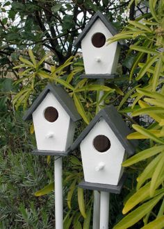 DIY ladybug houses for the garden!