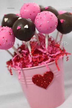 #cakepopbouquet Starbucks Cake Pops, Cake Pop Bouquet, Apple Cake Pops, Chocolate Cake Pops, Sweet Sixteen, Cakepops, Cake Pops 4 Ways, Snowman Cake Pops, Unicorn Cake Pops
