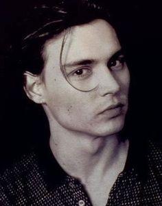 The wonder of Johnny Depp Young Johnny Depp, Johnny Depp Movies, Johnny Depps Son, Pretty Men, Beautiful Men, Johnny Depp Wallpaper, John Depp, Divas, Looks Black