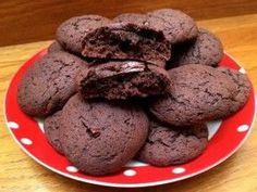Csokis keksz teljes kiőrlésű lisztből | mókuslekvár.hu Diabetic Recipes, Diet Recipes, Healthy Recipes, Healthy Food, Healthy Life, Cookie Recipes, Dessert Recipes, Desserts, Sweet And Salty