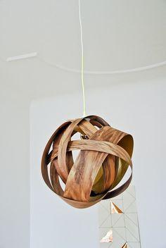 Cómo hacer una lámpara moderna con chapa de madera Wooden lamp do it yourself, easy.