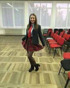 Beautiful Tartan Look Outfit Ideas For Ladies 33 School Uniform Outfits, Cute School Uniforms, Uniform Ideas, Cute Girls, Pretty Girls, Catholic School Girl, Tartan Dress, Tartan Skirts, Ties