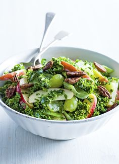 Try our kale waldorf salad recipe with buttermilk dressing. This easy waldorf salad with grapes is an easy summer salad recipe. Make our apple waldorf salad Easy Summer Salads, Summer Salad Recipes, Healthy Salad Recipes, Healthy Food, Picnic Recipes, Picnic Ideas, Buttermilk Dressing, Waldorf Salad, Buttermilk Recipes