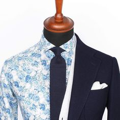 The Lecce dark blue mesh blazer over a Light grey cardigan and Albany cutaway shirt, paired with a Blue knitted tie.  www.Grandfrank.com