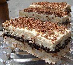 Prajitura cu nuca de cocos, ciocolata si crema - Food and drinks interests Romanian Desserts, Romanian Food, Romanian Recipes, Cupcakes, Cupcake Cakes, Cake Recipes, Dessert Recipes, Cake Flavors, Dessert Drinks