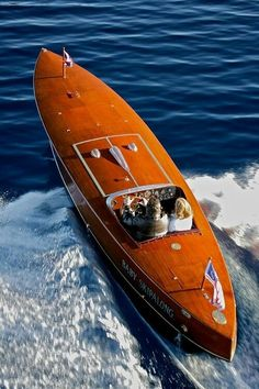 Instant Access to 518 Different Plans - From Small Wooden Boat Plans To Large Sailboat Plans - Free Boat Plans Yacht Design, Boat Design, Riva Boat, Yacht Boat, Sailing Boat, Sailing Ships, Course Vintage, Wooden Speed Boats, Classic Wooden Boats
