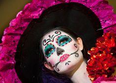 Dia De Los Muertos Tutorial: Watch Video On How To Do Catrina Hair And Makeup