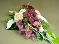 LILIE CALLA RÓŻE róż pudrowy 1059.3 stroik na grób Kompozycje kwiatowe Marko604