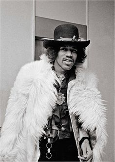 How to put together an outfit! #Jimi #fashion #iconic
