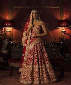 #Sabyasachi #Couture2016 #WinterWeddings #ClutchBySabyasachi #KishandasForSabyasachi #HandCraftedInIndia #TheWorldOfSabyasachi @kishandasjewellery @bridesofsabyasachi