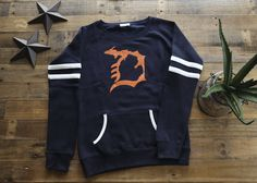 I know a ton of you were asking about the next shipment now that we've run out of these multiple times... well, it is here! Get yours before we run out again (Oh and FREE shipping is still in effect!) ===> https://www.livnfresh.com/product/mi-d-varsity-fleece-crew-sweatshirt-orange-ink/