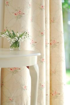Peony and Sage curtains 🌸 Rose Cottage, Shabby Chic Cottage, Shabby Chic Homes, Shabby Chic Decor, Retro Home Decor, Easy Home Decor, Home Decor Bedroom, Cheap Home Decor, Shabby Chic Bedrooms