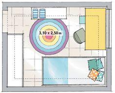 A extensão do quarto comportaria duas camas, mas sem deixar lugar para uma escrivaninha. O beliche resolveu o dilema e liberou a área central. Só não pode ficar junto da janela, por questões de segurança. O ideal, de toda forma, é instalar grades ou tela de proteção na abertura.