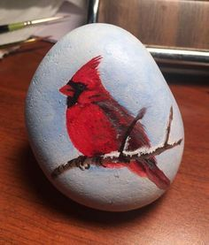 Easy paint rock for try at home (stone art & rock painting ideas Rock Painting Patterns, Rock Painting Designs, Paint Designs, Pebble Painting, Pebble Art, Stone Painting, Stone Crafts, Rock Crafts, Christmas Rock