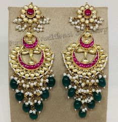 Beautiful pair of danglers Indian Jewelry Sets, Indian Wedding Jewelry, India Jewelry, Bridal Jewelry, Head Jewelry, Jewelry Design Earrings, Jewellery Designs, Hyderabadi Jewelry, Rajputi Jewellery