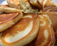 pancakes with kefir Breakfast Dishes, Breakfast Recipes, Vegetarian Cooking, Cooking Recipes, Cooking Games, Baked Fish, Russian Recipes, International Recipes, Love Food
