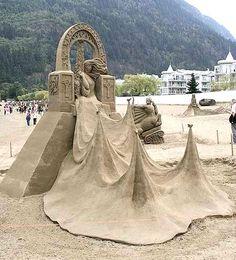 World's Most Amazing Things: Sand Sculpture Art - Amazing, Beautiful, Stunning and Unique Sand Art Ice Sculptures, Sculpture Art, Cool Pictures, Cool Photos, Amazing Photos, Sand Play, Sand Painting, Snow Art, Image Fun