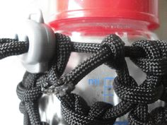 How to make a paracord water bottle holder