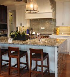 Lennon Granite on island and Vetro Glass in Winter Taupe for backsplash Prep Kitchen, Kitchen Reno, Kitchen Backsplash, Kitchen Design, Teal Kitchen, Kitchen Counters, Tv Decor, Home Decor, Decor Ideas