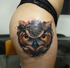 Today we're going to step again into the world of animal tattoos bringing you 50 of the most beautiful owl tattoo designs, explaining their meaning. Owl Tattoo Back, Owl Eye Tattoo, Mens Owl Tattoo, Tattoo Bird, 3d Tattoos For Men, Body Art Tattoos, Skull Tattoo Design, Tattoo Designs Men, Animal Skull Tattoos