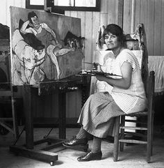 Original caption: Madame Suzanne Valadon, born in Montmarte, returned there to become a famous as a painter.  Raised as a member of an acrobatic troupe, here circus career was ended when she fell from a great height.  While posing for Povis de Chavannes and Toulouze Lautree she did some sketching of her own.  She attracted the attention of the great master Degas, who developed her into one of the foremost artists of France. ca. 1926 Renoir, Henri De Toulouse Lautrec, Famous Artists, Great Artists, Maurice Utrillo, Emily Carr, Female Painters, Mary Cassatt, Photo Portrait