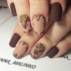 18 Beige Nails for Your Next Manicure Have you ever experienced with a manicure in beige? You should try to paint beige nails right away. Beige is a color which is between nude. Beige Nail Art, Beige Nails, Brown Nails, Brown Nail Art, Fabulous Nails, Gorgeous Nails, Pretty Nails, Nails Art 2016, Uñas Fashion