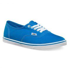 VANS Authentic Lo Pro neon blue chaussures fines 65,00 € #vans #vansotw #vansoffthewall #offthewall #vansera #vansauthentic #sneakers #sneaker #shoe #shoes #chaussure #chaussures #skate #skateboard #skateboarding #streetshop #skateshop @PLAY Skateshop