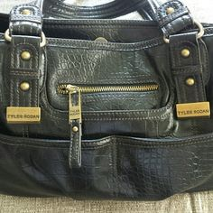 ⚡DEAL OF THE DAY⚡TYLER RODAN BAG PRE-OWNED, EXCELLENT  LK NEW CONDITION!  EMBOSSED LEATHER W/GOLD HARDWARE. IF YOU HAVE ANY ADDITIONAL QUESTIONS, PLEASE ASK BEFORE YOU PURCHASE! THANK YOU ☺ Tyler Rodan  Bags Shoulder Bags
