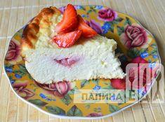 Творожная запеканка с клубникой в духовке - пошаговый фото-рецепт. Camembert Cheese, Dairy, Food, Meal, Essen, Hoods, Meals, Eten