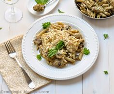 Cooking LSL: Penne Pasta With Chicken, Mushrooms and Pesto Sauc...