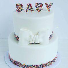 : @cake_decoration_  #cake #kake #inspirasjon #baby #detlilleekstra #dinbabyshower #nettbutikk #babyshower #dåp #navnefest #fødsel #gravid www.dinbabyshower.no