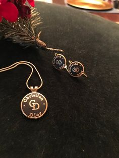 Amazing Beautiful Necklace And Earrings I Don T Know If It S Very Dark Brown Or Black With Gold But So