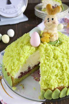 Maulwurfkuchen mit Eierlikör und Kirschen