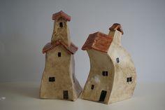 keramische huisjes van Anita van Houttum