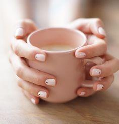 minimal dots nails
