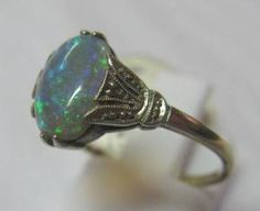 Vintage 1920's Art Deco Opal and Diamond Ring in 18ct Gold.
