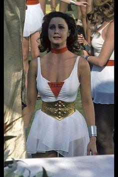 Lynda Carter is Wonder Woman Lynda Carter, Stylish Older Women, Wonder Woman Movie, Female Fighter, Warrior Girl, Celebrity Portraits, Gal Gadot, Movie Stars, Comics
