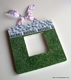 I would love to figure out how to make this! Personalized Picture Frame BASEBALL by LovelaceDesigns on Etsy Softball Decorations, Softball Crafts, Personalized Picture Frames, Personalized Gifts For Dad, Basketball Court Flooring, Basketball Shoes, Baseball Mom, Baseball Tickets, Baseball Stuff