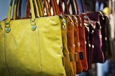 Gabs is colour! Italian Beauty, Love Fashion, Purses And Bags, Diaper Bag, Tote Bag, Handbags, My Style, Sweaters, Colour