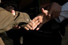 Um simples aperto de mãos pode revelar a idade biológica
