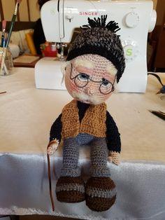 Skinny old man Crochet Fruit, Knit Or Crochet, Cute Crochet, Crochet Toys, Crochet Stitches, Crochet Baby, Crochet Dolls Free Patterns, Amigurumi Patterns, Doll Patterns